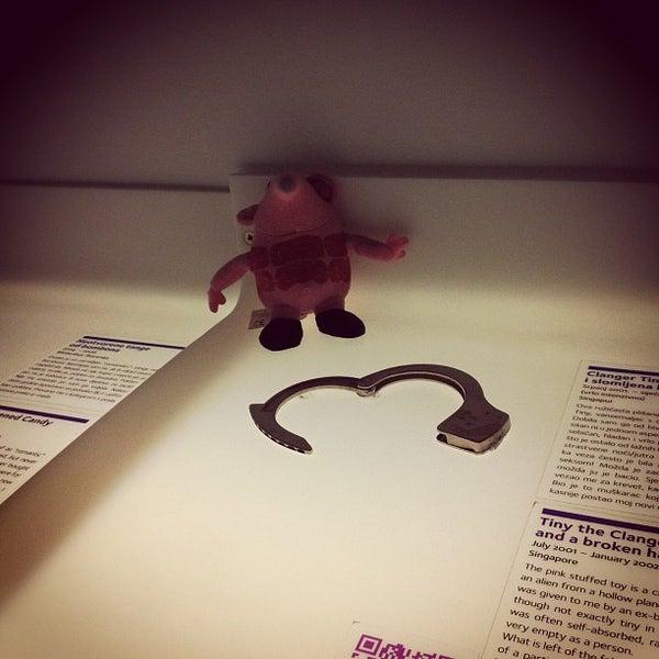 12/24/2012 tarihinde Artem M.ziyaretçi tarafından Muzej prekinutih veza | Museum of Broken Relationships'de çekilen fotoğraf