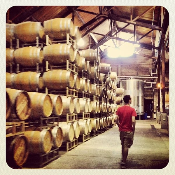 Foto scattata a Firestone Vineyard & Winery da Jen T. il 9/20/2012