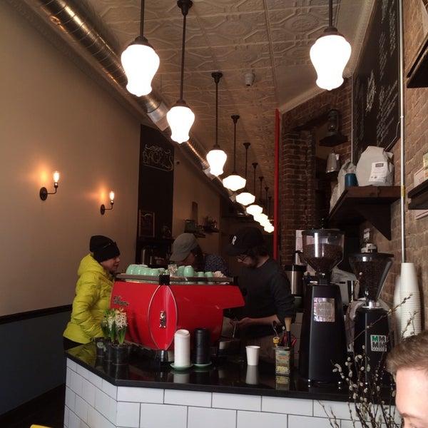 Das Foto wurde bei Double Dutch Espresso von Kevin P. am 1/29/2014 aufgenommen