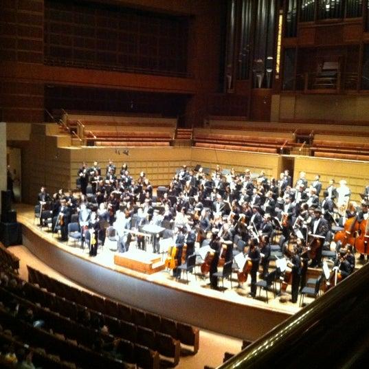 Foto tirada no(a) Morton H. Meyerson Symphony Center por Edward R. em 10/29/2012
