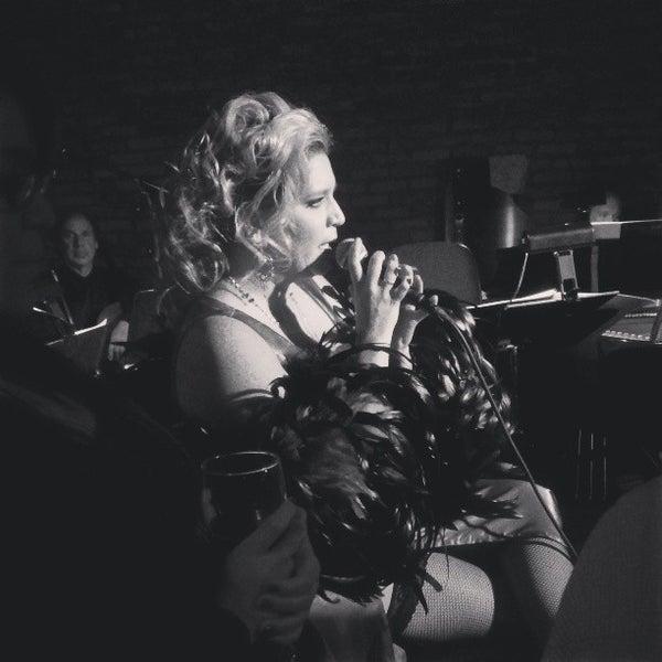 3/22/2013 tarihinde Daniella Veras @.ziyaretçi tarafından The Stage'de çekilen fotoğraf