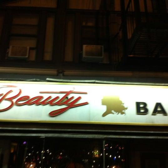 Foto diambil di Beauty Bar oleh jenny m. pada 9/23/2012