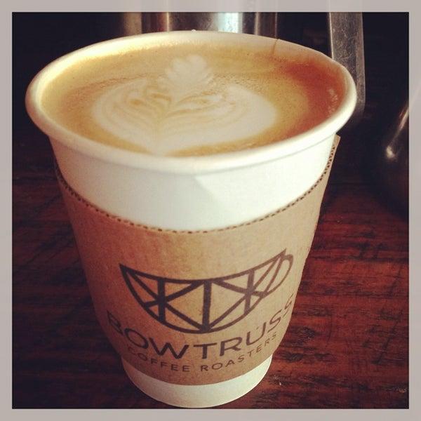 Foto tirada no(a) Bow Truss Coffee por Penny W. em 7/11/2013