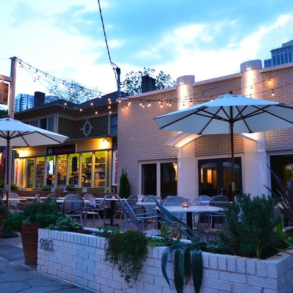 Das Foto wurde bei Campagnolo Restaurant + Bar von Campagnolo Restaurant + Bar am 2/2/2015 aufgenommen