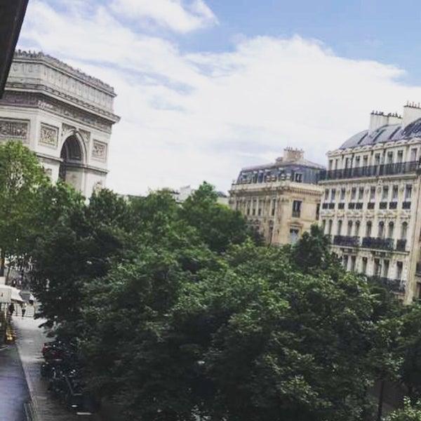 Directions to Avenue Mac-Mahon (Paris) with public transportation