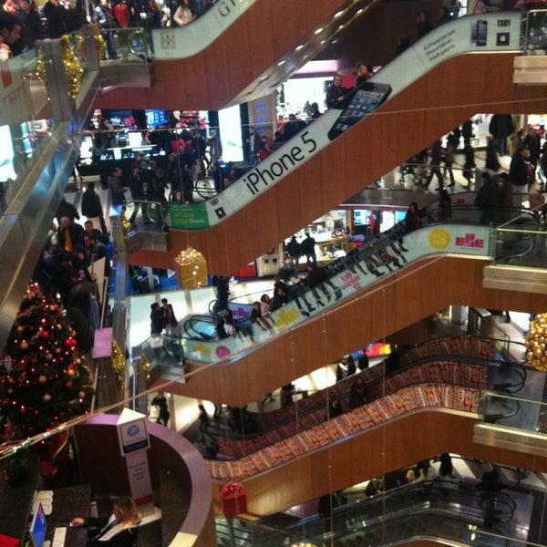 Das Foto wurde bei City's Nişantaşı von öktem a. am 12/30/2012 aufgenommen