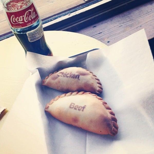 6/12/2014에 Lyd A.님이 The Empanada Factory에서 찍은 사진
