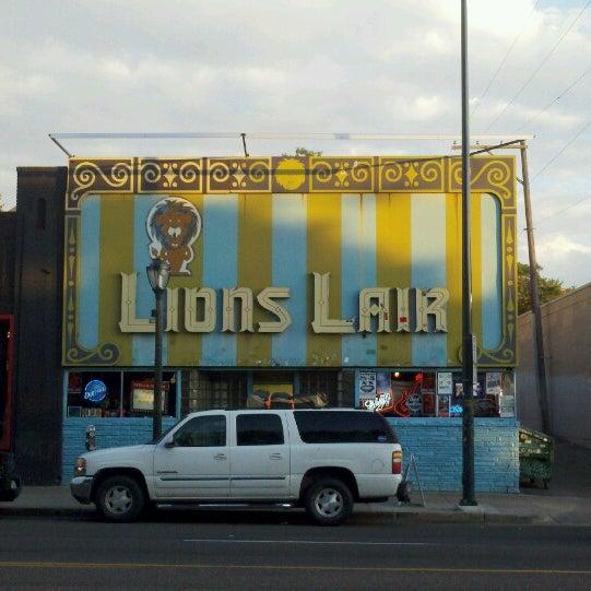 Das Foto wurde bei Lion's Lair von Will W. am 7/10/2013 aufgenommen