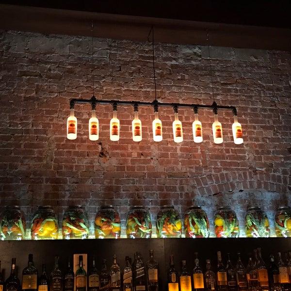 Photo prise au Honu Kitchen And Cocktails par David R. le3/4/2017