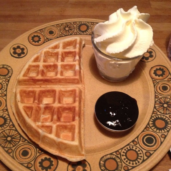 Delicious waffles - choose between rhubarb, syrup or chocolate and cream.
