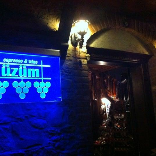 9/30/2012에 Stk S.님이 Üzüm Cafe에서 찍은 사진