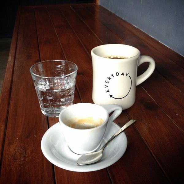 4/27/2013にDamon G.がEveryday Coffeeで撮った写真