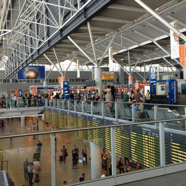 8/16/2013에 Said M.님이 바르샤바 쇼팽 공항 (WAW)에서 찍은 사진