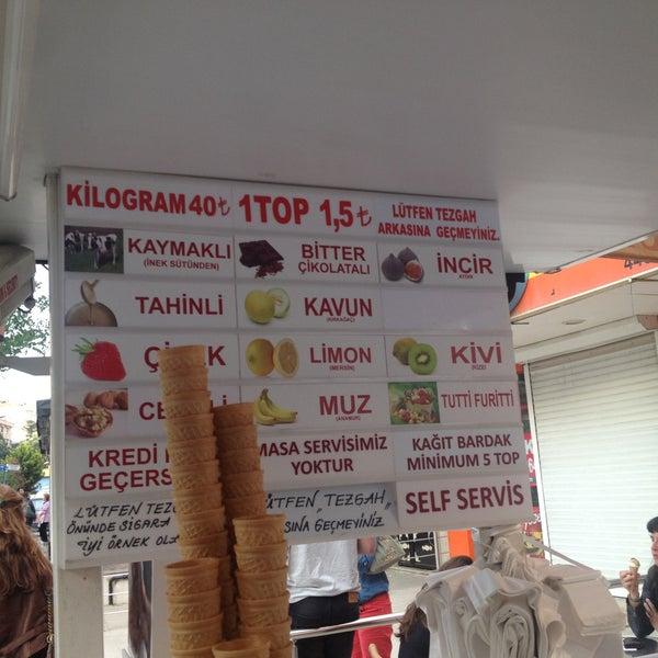 Foto tirada no(a) Dondurmacı Yaşar Usta por Şehrin T. em 5/5/2013
