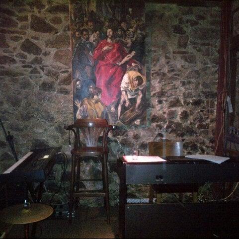 รูปภาพถ่ายที่ Sardunya's Brasserie Bomonti ve Şarap Evi โดย BuX เมื่อ 2/10/2013