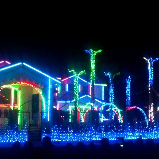 El Paso Christmas Lights.Photos At Christmas Light Show Fred Loya S Now Closed