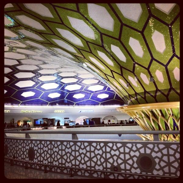 Photo prise au Abu Dhabi International Airport (AUH) par Diana P. le1/5/2013
