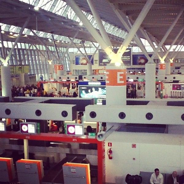 2/2/2013에 Marta S.님이 바르샤바 쇼팽 공항 (WAW)에서 찍은 사진