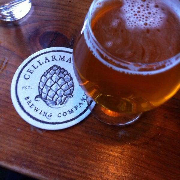 Foto scattata a Cellarmaker Brewing Company da Dan L. il 3/5/2015
