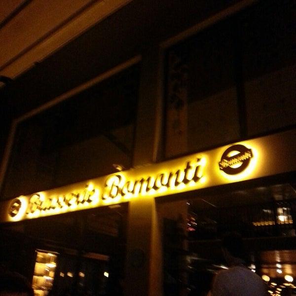 Photo prise au Brasserie Bomonti par Alp B. le4/8/2013
