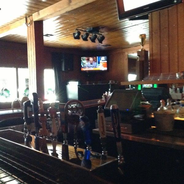 Foto tirada no(a) Redwing Bar & Grill por William L. em 3/18/2013