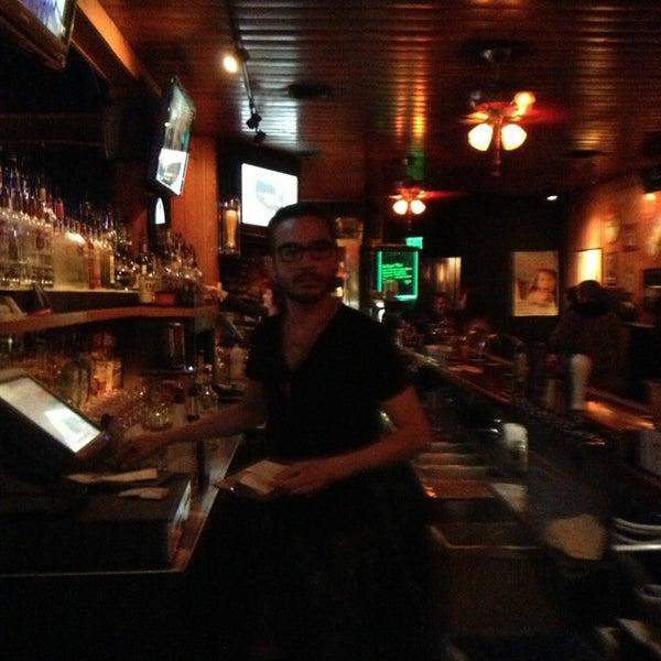 Foto tirada no(a) Redwing Bar & Grill por William L. em 3/30/2013