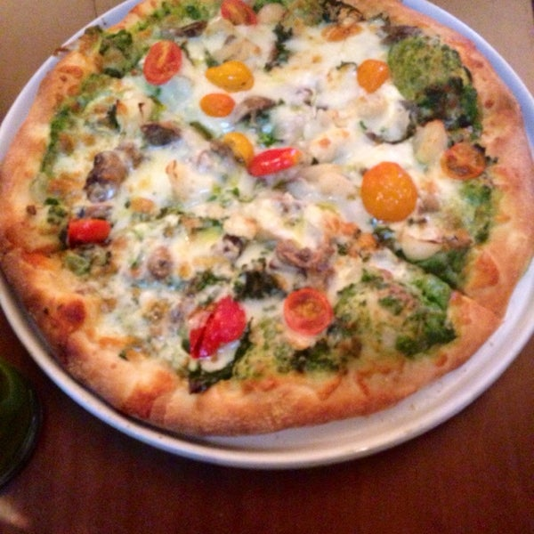 Снимок сделан в The Daily Kitchen & Bar пользователем Mallory C. 4/19/2014