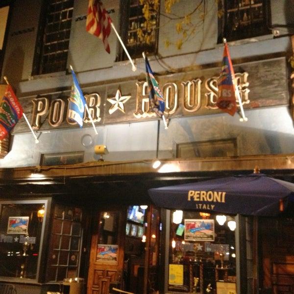Photo prise au The Pour House par Norman le4/15/2013