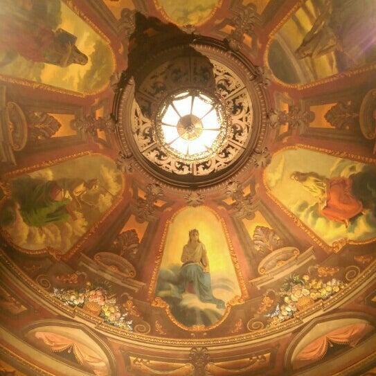 Das Foto wurde bei Teatro Colón von Daniel Alejandro T. am 4/24/2016 aufgenommen