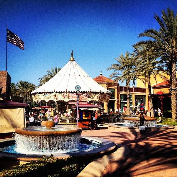 Снимок сделан в Irvine Spectrum Center пользователем Ryan K. 3/22/2013