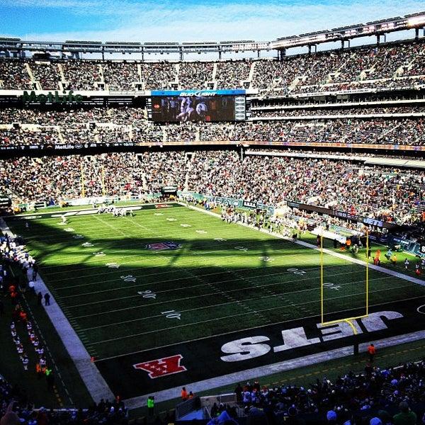 รูปภาพถ่ายที่ MetLife Stadium โดย Ryan K. เมื่อ 12/23/2012