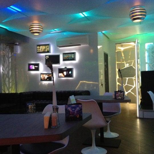 Снимок сделан в Cafe Studio 89,5fm пользователем muchacha 9/29/2012