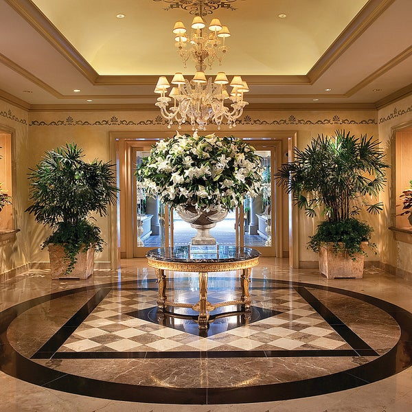 Four seasons hotel los angeles at beverly hills mid city for Hotel foyer decor