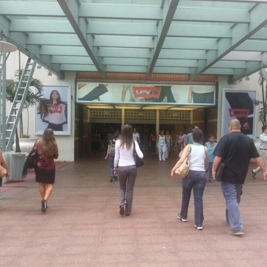11/5/2012 tarihinde Igor A.ziyaretçi tarafından Shopping Tijuca'de çekilen fotoğraf