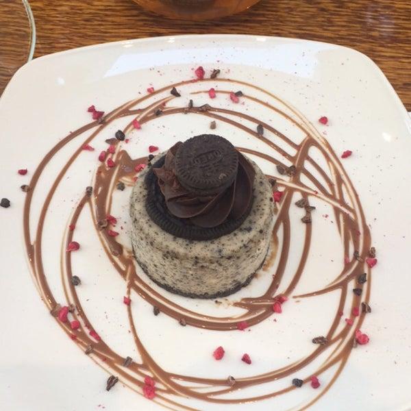 Foto tirada no(a) Chateau Dessert por Rose & Riad 🌹 em 9/30/2015