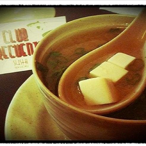 Foto diambil di Sushi Washoku oleh José  Edrei N. pada 9/29/2012