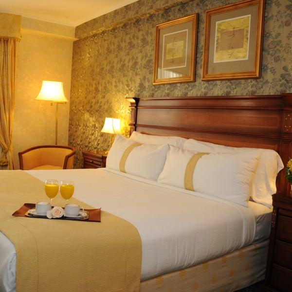 Das Foto wurde bei InterTower Hotel von Romina M. am 8/28/2013 aufgenommen