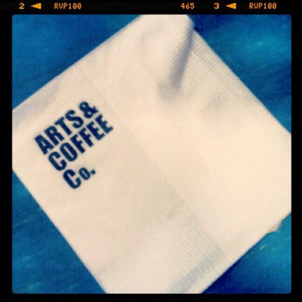 Foto diambil di Arts & Coffee Co. oleh Jorge F. pada 12/7/2012