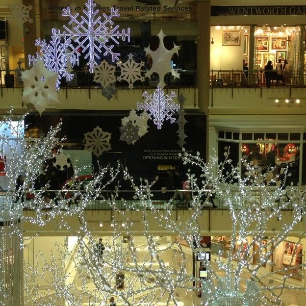 1/2/2013 tarihinde Sophia H. W.ziyaretçi tarafından Tysons Corner Center'de çekilen fotoğraf