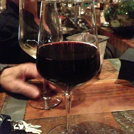 Foto scattata a Campagnolo Restaurant + Bar da Bryan C. il 11/16/2012
