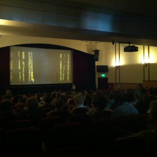 Foto diambil di Teatro Nescafé de las Artes oleh Rene N. pada 12/8/2012
