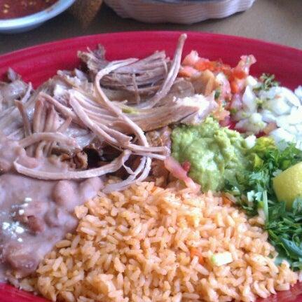 Foto tomada en Cafe Coyote por Fawn D. el 6/30/2012