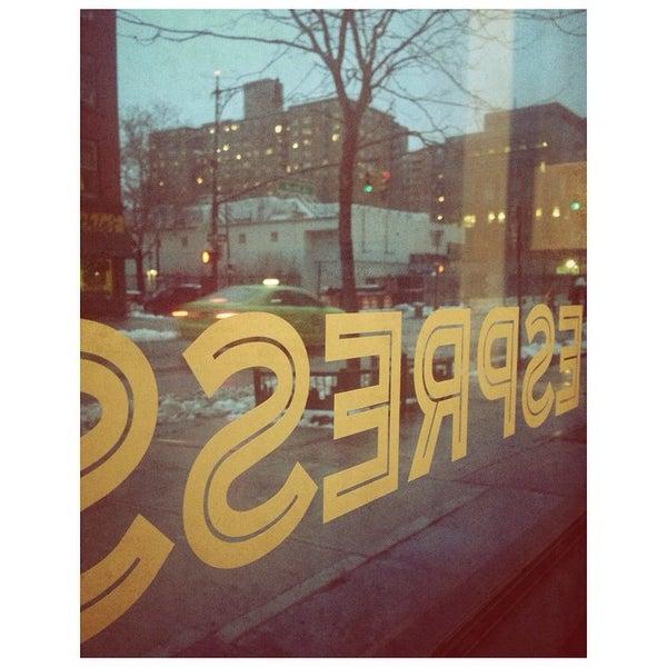 Foto tirada no(a) BKG Coffee Roasters por Ron V. em 1/24/2015