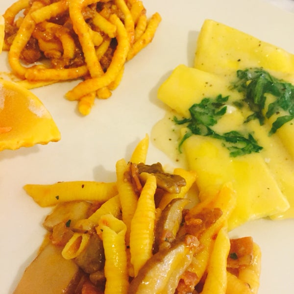 Il tris di primi, la tartara di carne e la polenta fritta