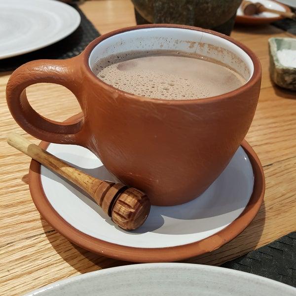 Los desayunos (todo) son deliciosos, ¡el chocolate caliente es un MUST! Excelente ambiente y excelente atención
