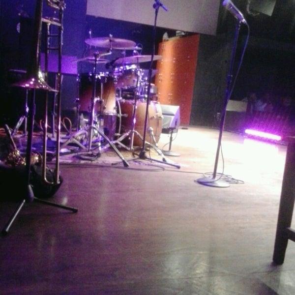 Foto diambil di Amsterdam Bar & Hall oleh Ashleigh S. pada 6/2/2013