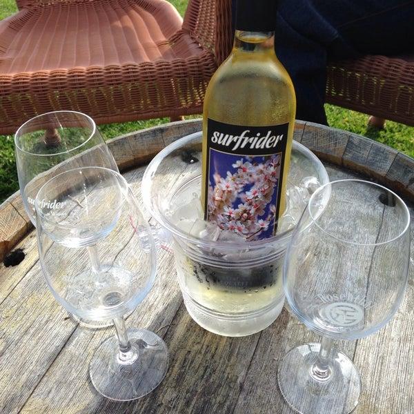 Photo prise au Rosenthal Wine Bar & Patio par Allison K. le5/25/2014