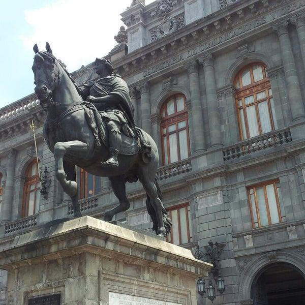 7/20/2013 tarihinde Andrea M.ziyaretçi tarafından Museo Nacional de Arte (MUNAL)'de çekilen fotoğraf