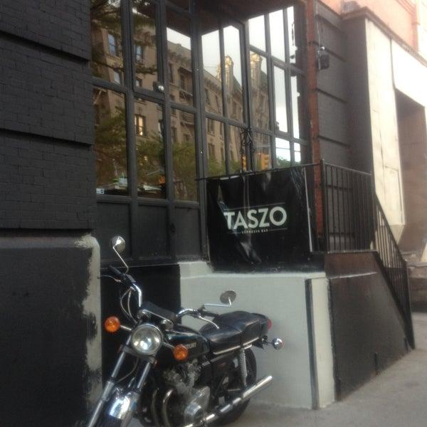 5/13/2013にTara R.がTaszo Espresso Barで撮った写真