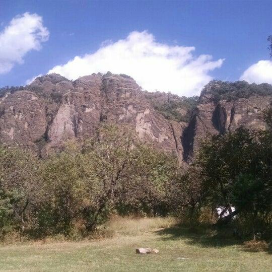 รูปภาพถ่ายที่ Campo Escuela Scout Meztitla โดย Karen L. เมื่อ 1/8/2016